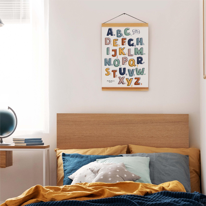 Rubbel Abc Poster über dem Bett
